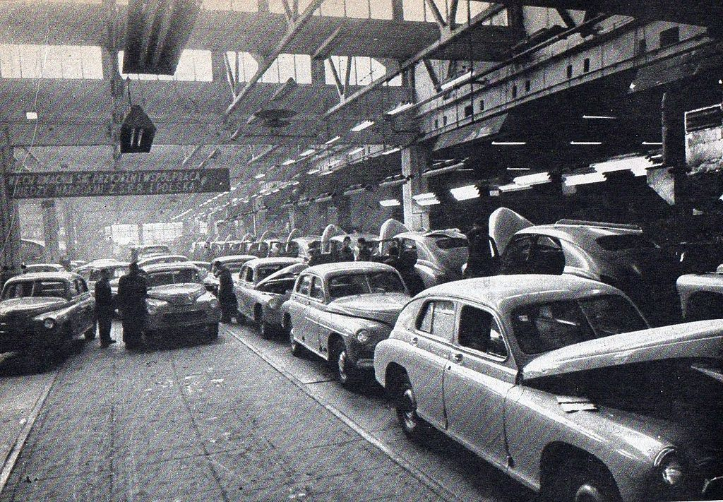 Warszawa lata 50.XX w. linia montazowa