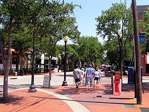 West End Historic District (Dallas) - Tourists in the West End stroll down Market Street