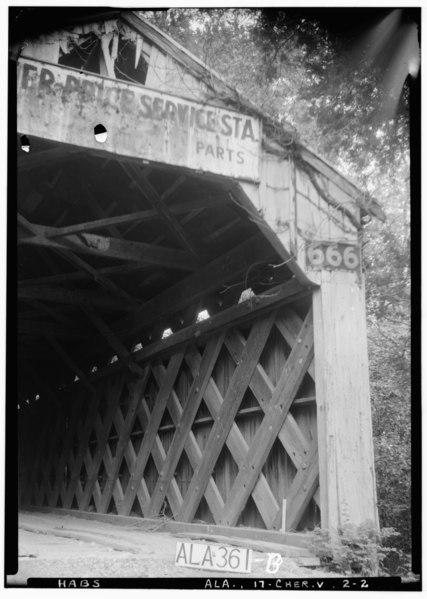 File:West end of bridge - Buzzard Roost Covered Bridge, Highway to Allsboro Southwest of Cherokee, Cherokee, Colbert County, AL HABS ALA,17-CHER.V,2-2.tif