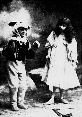 1898 revival of the musical Alice in Wonderland. Popular among London theatregoers, the play was frequently revived during Christmas season over the next four decades. White-rabbit-rose-hersee.jpg