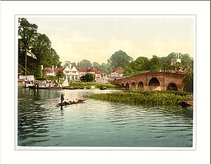 Great House at Sonning - Historic view from the other side of the River Thames of the White Hart with Sonning Bridge on the right.