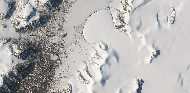 Wikielephantglacier.jpg