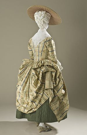 Polonaise (clothing) - Image: Woman's Robe a la Polonaise (Close bodied Gown) LACMA M.70.85 (10 of 10)