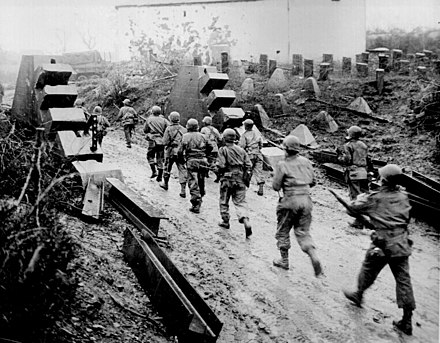 American troops cross the Siegfried Line into Germany. Ww2 allied advance siegfried line.jpg
