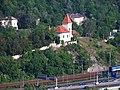 Zlíchovský kostel, z Branické skály.jpg