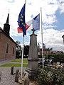 Écuélin (Nord-Fr)monument aux morts.jpg