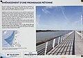 Étaples - Promenade en bois sur pilotis sur le port.jpg