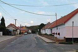 Čermákovice, hlavní ulice (2017-07-22; 02).jpg