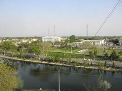 Вид с холма на город.png