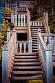Гремячий ключ, Сергиево-Посадкий р-н. Лестница к источнику под крестом.jpg