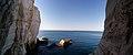 פנורמה אל הים התיכון מבין הנקרות.jpg