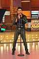 01Jun2012 Jose Enrique cantando en el show de Fernando Hidalgo.jpg