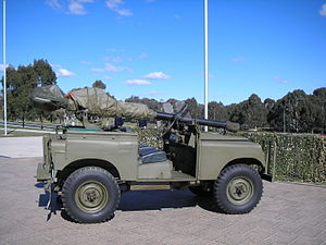 M40 recoilless rifle - Image: 106mm land rover