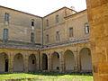 149 Abadia de Santa Maria, claustre, angle sud-oest.jpg
