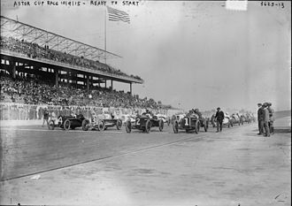 Astor Cup (auto race) - Start of 1915 Astor Cup race