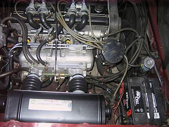 Fuel injection - Chevrolet Cosworth Vega engine showing Bendix electronic fuel injection (in orange).