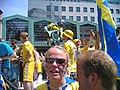 2006-06-10 Dortmund Fussball-WM Alter Markt Schweden-Fans.jpg
