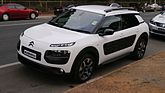 2016 Citroën C4 Cactus (MY16) Exclusive wagon (25973438182).jpg