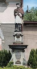 2016 Figura św. Jana Nepomucena w Boguszynie 01.jpg