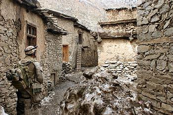 Le CAMOUFLAGE , l'art d'être discret . 350px-3rd_Battalion,_3rd_Marines_-_Afghanistan