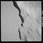 AS15-81-10984 (21515560198).jpg