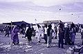 ASC Leiden - van Achterberg Collection - 14 - 07 - Une foule dans le parc de la foire Assihar - Tamanrasset, Algérie - 1984.jpg