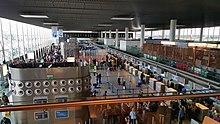 Banchi del check-in del Terminal dell'Aeroporto di Catania-Fontanarossa.