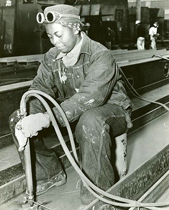 Skilled worker - A skilled worker working at Richmond Shipyards