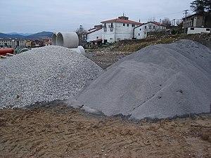 Bi agregakin mota / Two different construction...