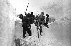 Stelvio Pass - Aldo Moser navigating the snow atop the Stelvio Pass during the 1965 Giro d'Italia