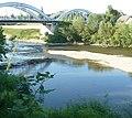 Als 1920 der Neckar kanalisiert wurde, sank der Pegel, wodurch der Fährbetrieb nicht mehr reibungslos verlief. Daher wurde eine Brücke gebaut, deren Kosten zur Hälfte die Neckar-Aktiengesellschaft berappen durfte. - panoramio (1).jpg