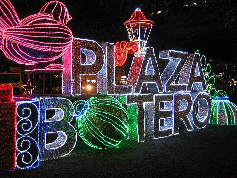 File:Alumbrado 2011 - Plaza Botero-01.jpg