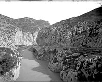 Antic pont de Torres sobre el riu Segre.jpeg