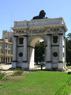 Pacific Station - Arco Británico erected 1910 at Eleuterio Ramirez and Avenue Brasil in Valparaíso commemorates Lord Cochrane, Robert Simpson, and other founders of the Chilean Navy