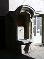 Arquata Scrivia-centro storico-pozzo.jpg