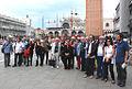 Artistas argentinos en la Piazza San Marco (5790788908).jpg