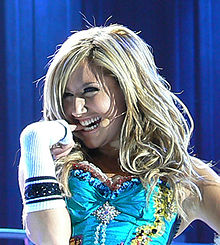 "Ashley Tisdale performing ""Be Good to Me"" during the High School Musical: The Concert"