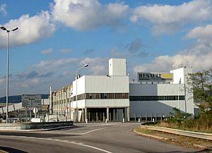 Flins Renault Factory - Image: Aubergenville Usine Renault 01