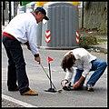 Augusto De Luca, gioca a Golf nelle buche stradali di Napoli. 2.jpg