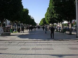 Avenue Habib Bourguiba - Image: Avenue Habib Bourguiba Tunis 2