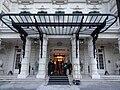 Awning of the Shangri-La hotel in Paris, 23 January 2014.jpg
