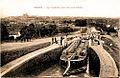Béziers Péniche et ses barriques Canal du Midi.jpg
