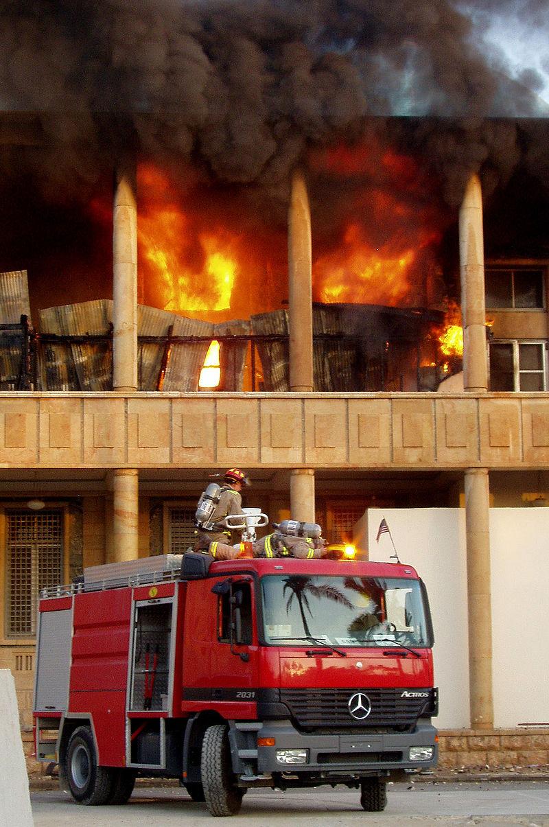 Lier Pâques et paix dans Communauté spirituelle 800px-Baghdad_fire_department_engine_Iraq