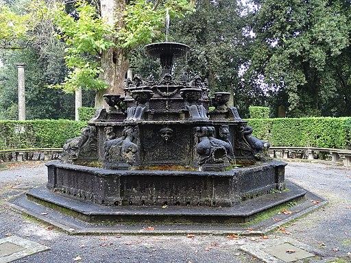 Fontana dei Dolfini, Villa Lante, Bagnaia