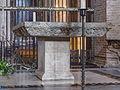 Basilica of Saint-Sernin - Altar (mod).jpg