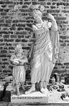 beelden met opschrift ad maiorem dei gloriam - grave - 20083918 - rce