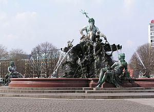 Reinhold Begas - Image: Berlin Neptunbrunnen