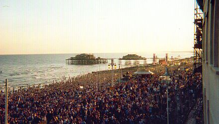 """The Big Beach Boutique II"": over 250,000 watched Fatboy Slim (July 2002) BigBeachBoutique.jpeg"