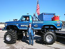 Bigfoot 12-5-09 Eureka Walmart 032.jpg