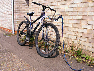 Bikejoring - A bicycle fitted with a suspended towline for bikejoring